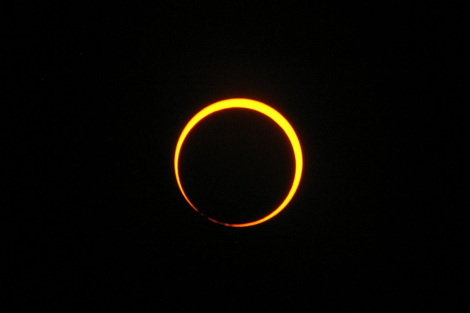 2012年5月21日朝 129年ぶりの金環日食